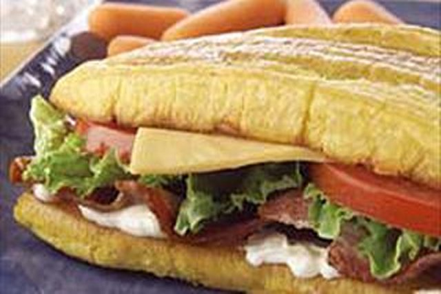 Sándwich de plátanos con tocino y queso Image 1