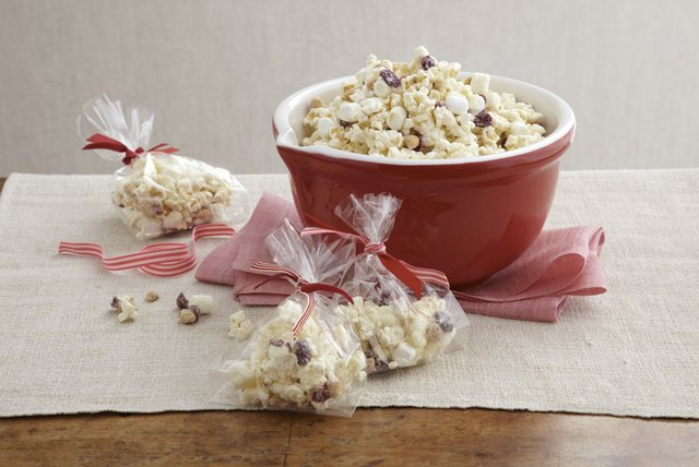 White Chocolate Popcorn Mix Image 1