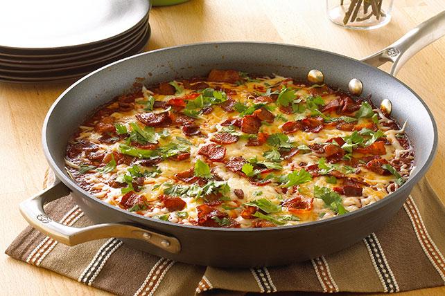 Huevos ahogados en salsa de chile ancho con tomate Image 1