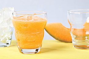 Agua fresca de melón y naranja