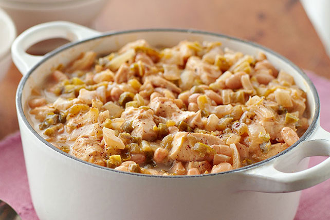 VELVEETA Cheesy Chicken Chili Image 1