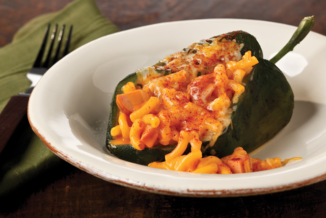 Chiles rellenos con Mac & Cheese
