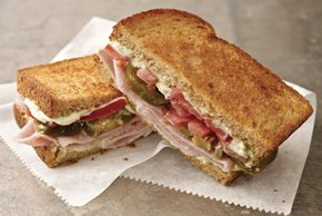 Espectacular sándwich de jamón