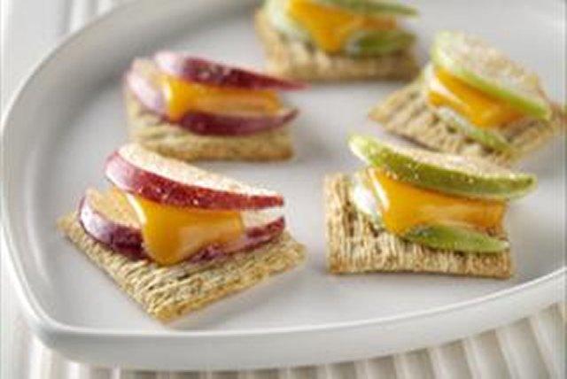 Bocaditos de manzana y queso cheddar Image 1