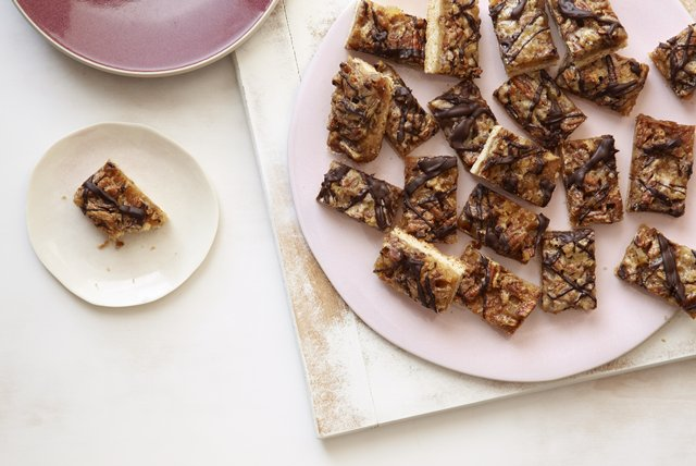 Ginger-Pecan Bars Image 1