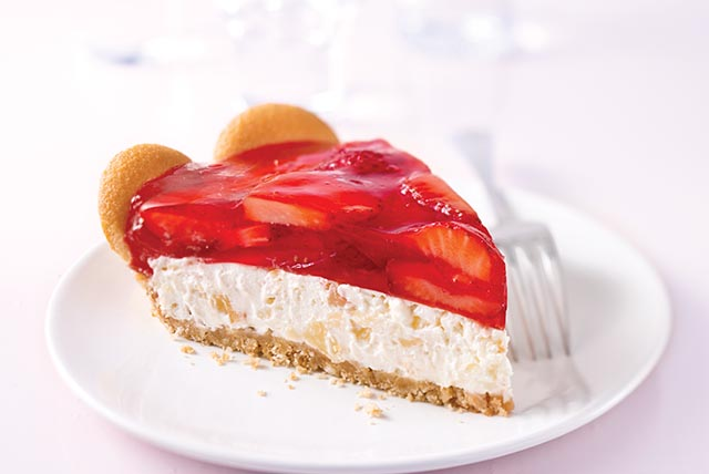 tropical-strawberry-cream-pie-115778 Image 1