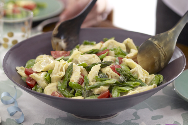 Creamy Tortellini Primavera Salad Image 1