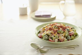 Cheddar-Chicken Crunch Salad