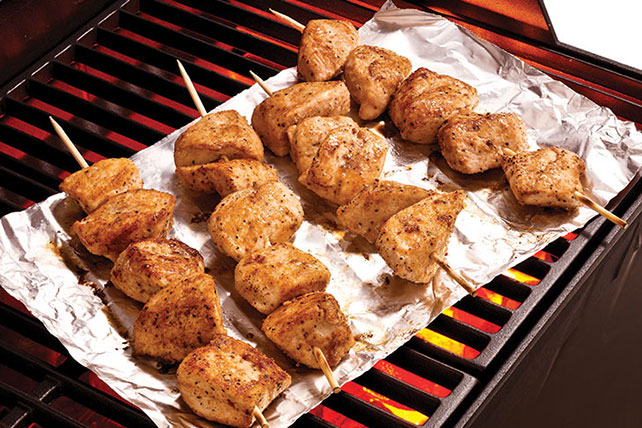 Easy Parmesan-Garlic Chicken Skewers Image 1