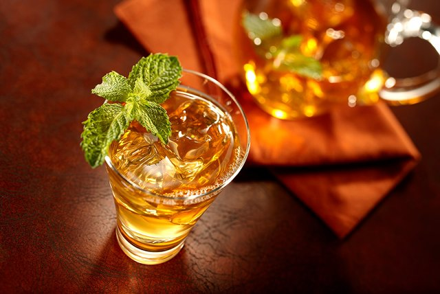 Moroccan-Mint Iced Tea Image 1