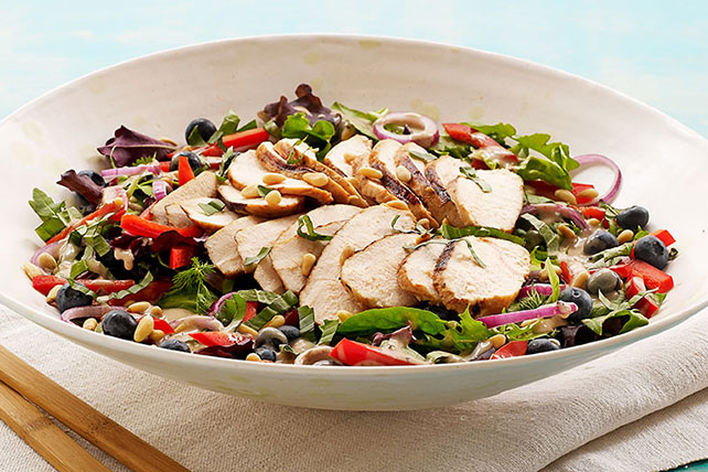 Blueberry-Balsamic Grilled Chicken Salad Image 1