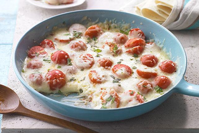 Queso fundido con tomate y albahaca Image 1