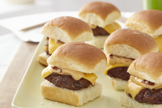 Mini Cheeseburgers with Chipotle Mayo Image 1