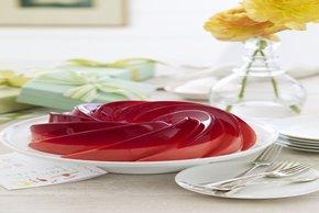 Gelatina de frambuesas y pétalos de rosa