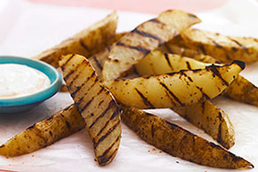 Grilled Steak Fries with Spicy Blue Cheese Dipping Sauce