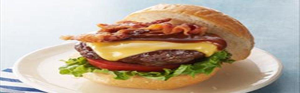 Hamburguesas americanas con queso, tocino y salsa BBQ Image 1
