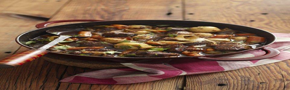Cerdo con verduras en salsa de tomatillos y chiles cascabel Image 1