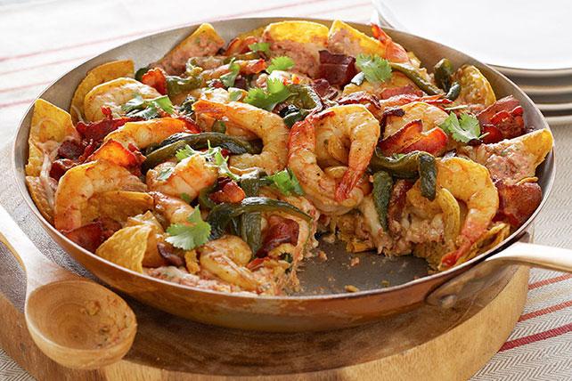 Chilaquiles de camarones con poblanos y tocino Image 1