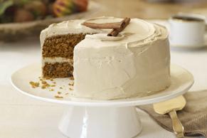 Gâteau à la citrouille et aux carottes avec glaçage à la cassonade