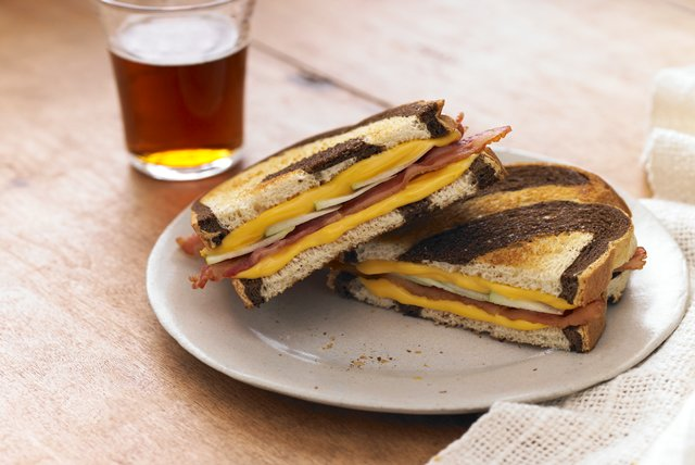 Grilled Apple, Cheddar & Bacon Sandwiches Image 1