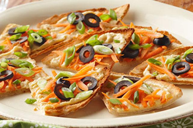 Tostadas de pita con humus y vegetales Image 1