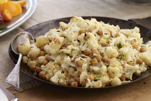 Roasted Cauliflower & Chickpea Toss Image 1