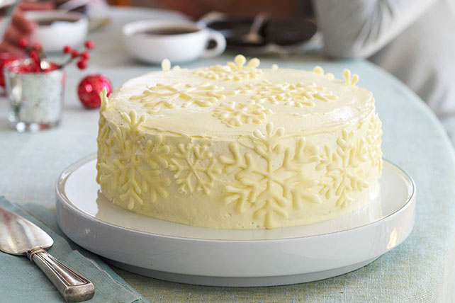 Vanilla Snowflake Cake Image 1