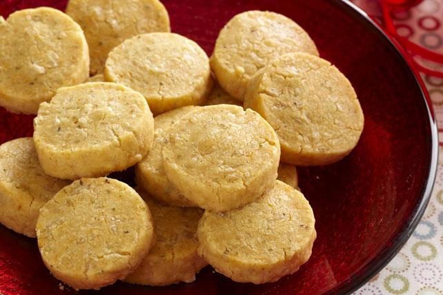 Bouchées de sablé au romarin et au fromage suisse Image 1