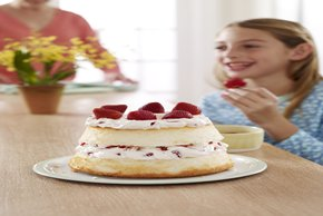 Strawberry & Creme Angel Cake