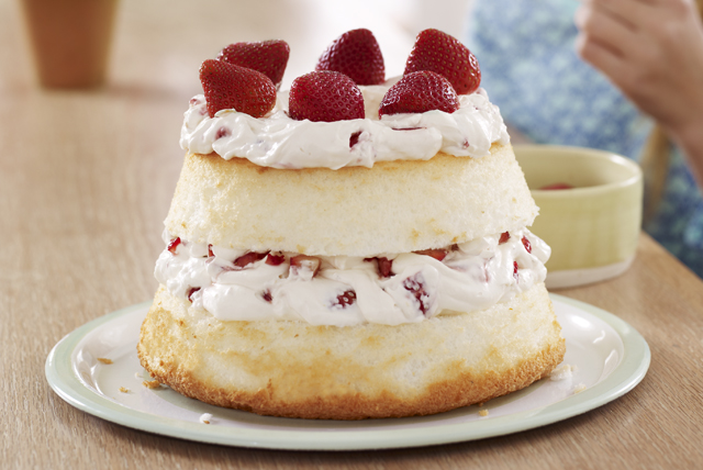 Strawberry & Creme Angel Cake Image 1