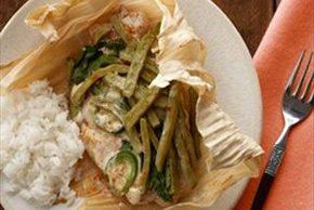 Bagre y nopales en hojas de maíz