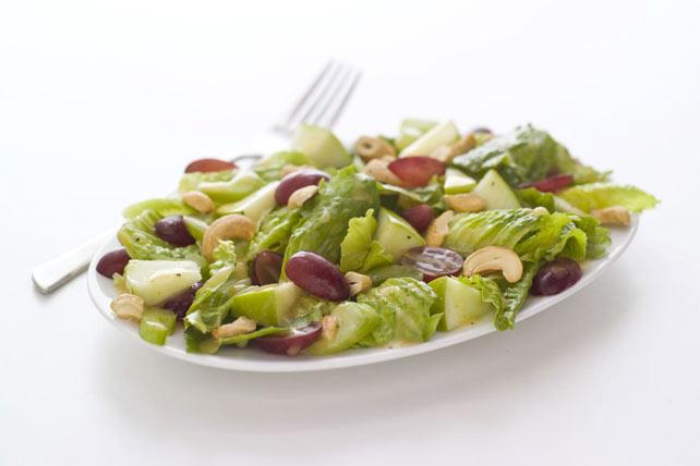 Salade Waldorf à la vinaigrette aux graines de pavot Image 1