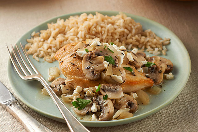 Mediterranean Chicken and Mushroom Skillet