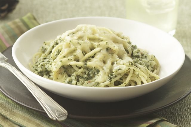 Spaghetti with Green Sauce Image 1