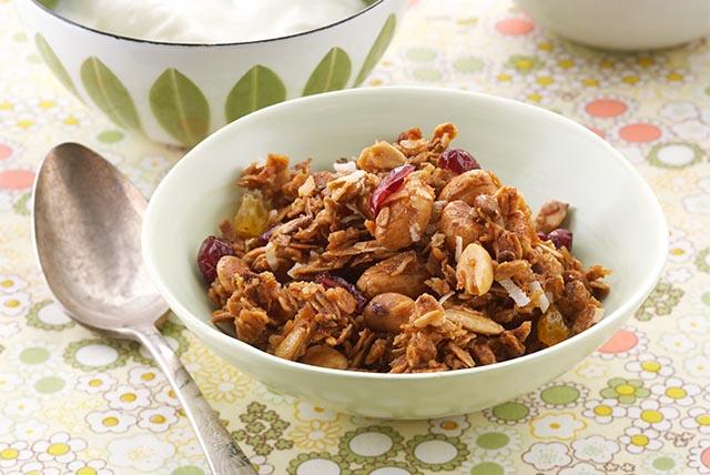 peanutty-granola-124306 Image 1