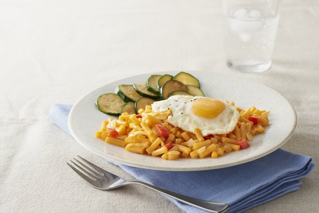Fried Egg Mac & Cheese Image 1