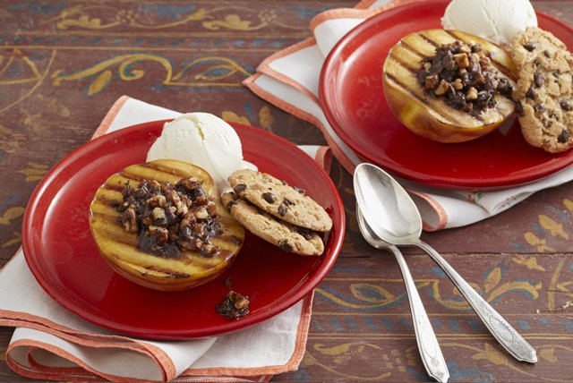 Grilled Peaches with Vanilla Ice Cream Image 1