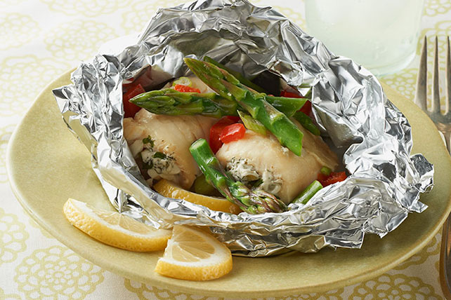 Grilled-Fish Foil Packets Image 1