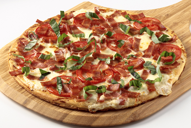 Blanco Turkey Bacon Pizza Image 1