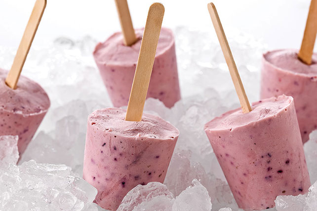Banana-Berry Yogurt Pops Image 1