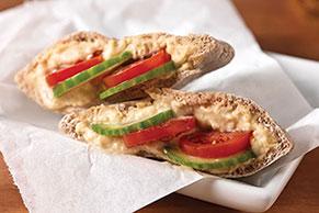 Bolsitas de pita con humus