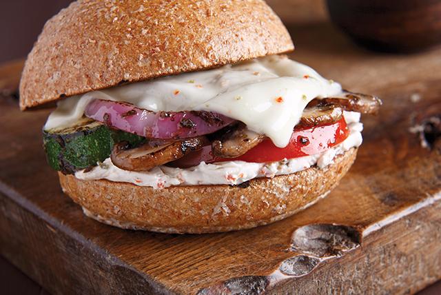 Sándwich de vegetales del huerto a la parrilla Image 1