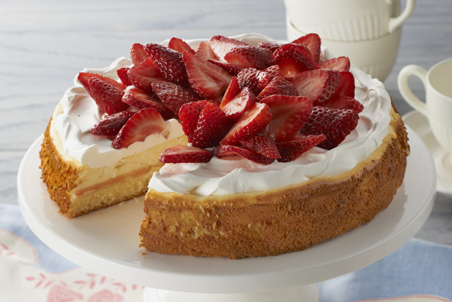 Strawberry Shortcake Cheesecake Image 1