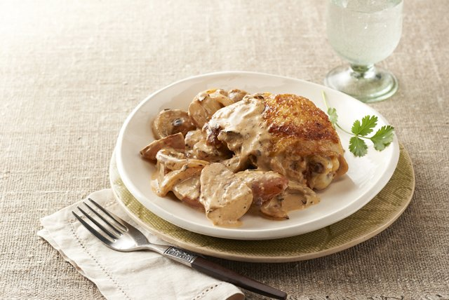 Chicken in Chipotle Sauce with Potatoes Image 1