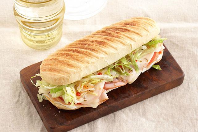 Panini de jamón y pavo con queso Image 1
