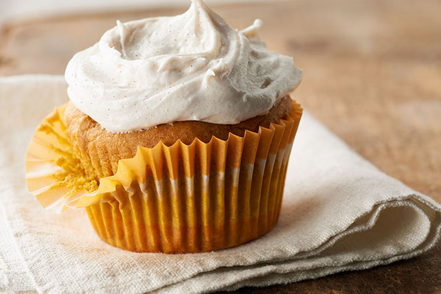 Pumpkin Cupcakes with Cinnamon-Cream Cheese Frosting - Kraft Recipes