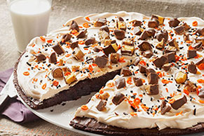Bats & Bones Brownie Pizza