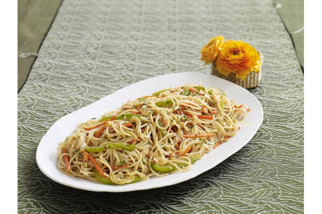 Nouilles aux légumes Hakka Image 1