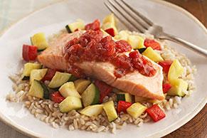 Salmón con verduras y arroz