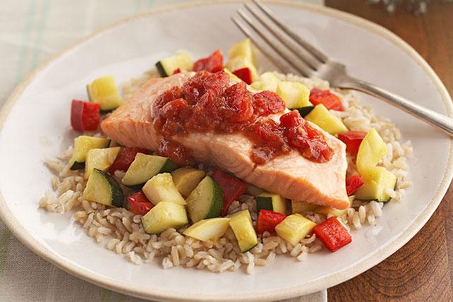 Salmón con verduras y arroz Image 1